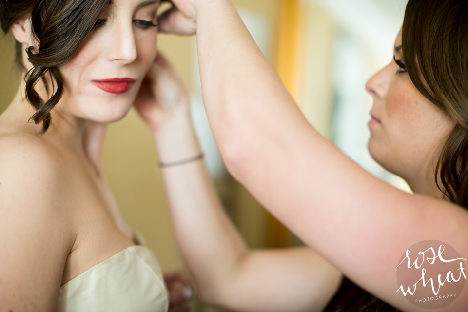 004. Bride_Getting_Ready.jpg
