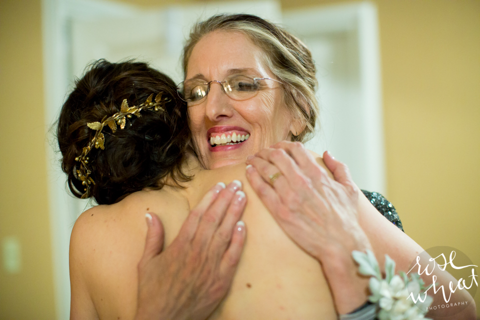 020. Mother_daughter_bride_moment.jpg