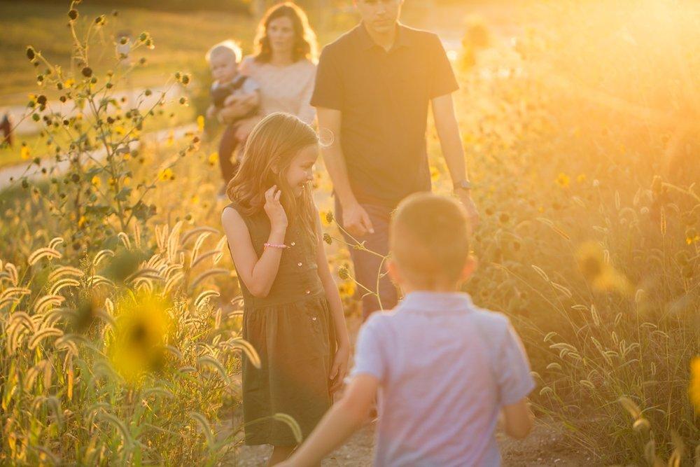 Kansas_Sunflowers_Family_Photo_0006.jpg