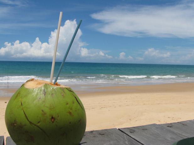 Agua de coco.png