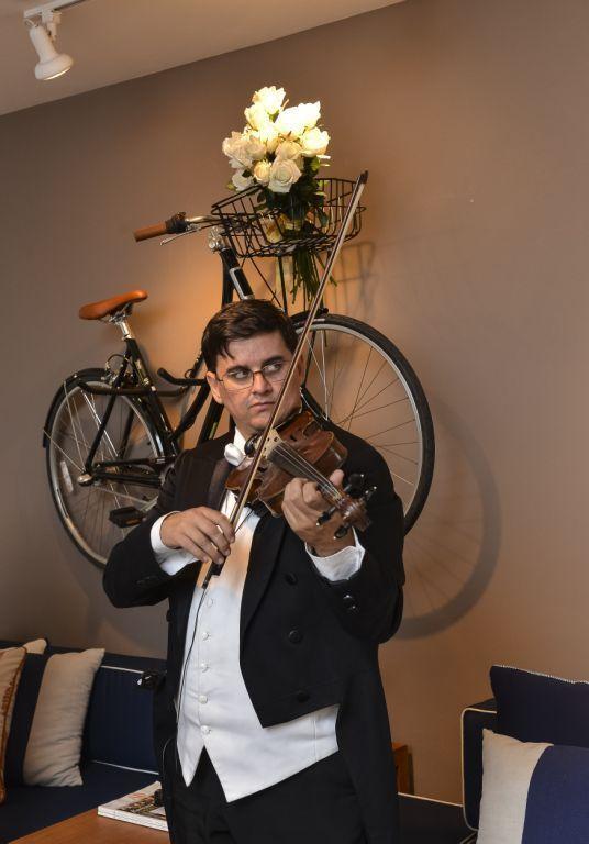 Músicos da orquestra do Maestro Eduardo Pereira (1).jpg