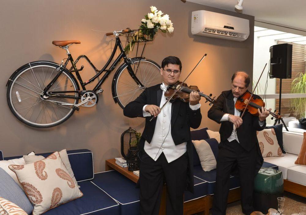 Músicos da orquestra do Maestro Eduardo Pereira.jpg