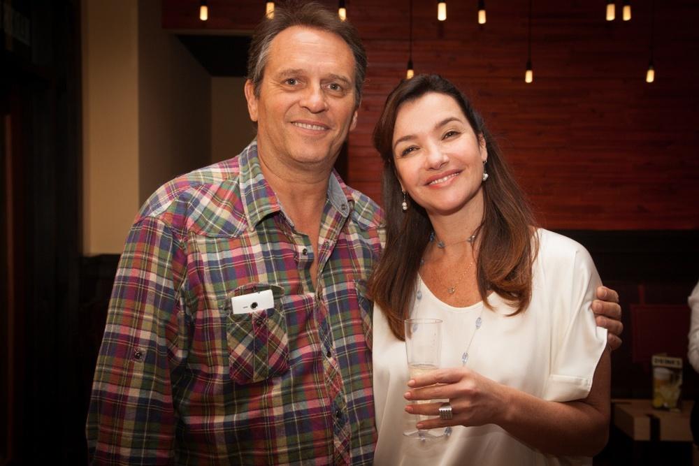 a apresentadora do Fox Sports Renata Cordeiro com o marido, Carlos Xavier.jpg