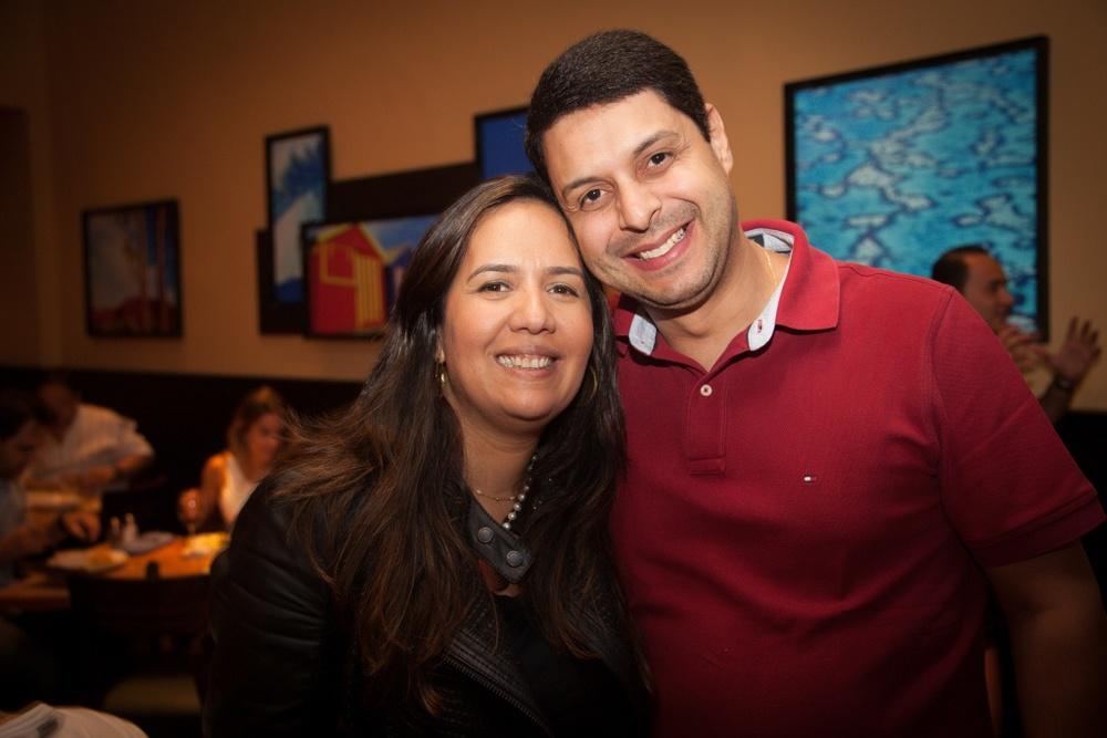 a gerente geral do Galleria Shopping, Alessandra Furtado, com o marido, Ari Furtado - baixa.jpg