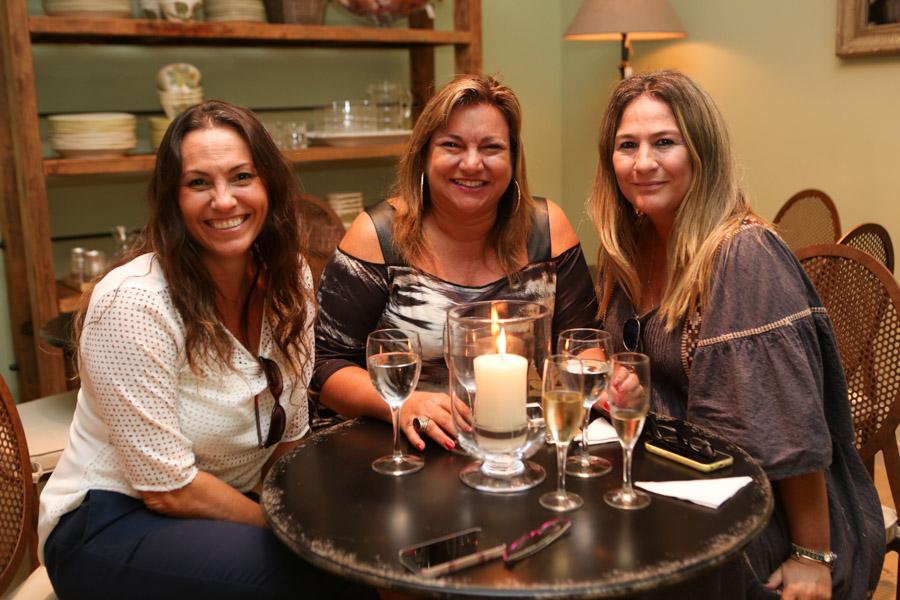 Carla Bianco, Adriana Bellão e Cristiane Gracioli Matos.jpg