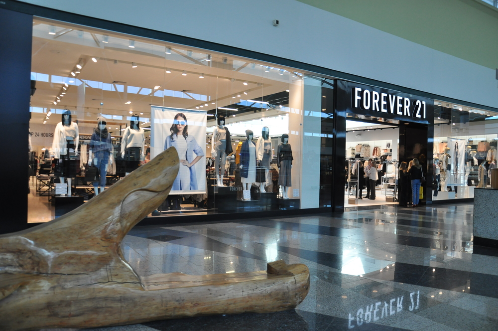 57f9ffdb7b0 Forever 21 abre sua maior loja no Brasil no Parque D. Pedro Shopping ...