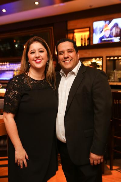 O anfitrião Rúdigar Sampaio, sócio proprietário do Abbraccio Campinas, com a esposa, Thayse Maia Sampaio - Cópia - Cópia.jpg