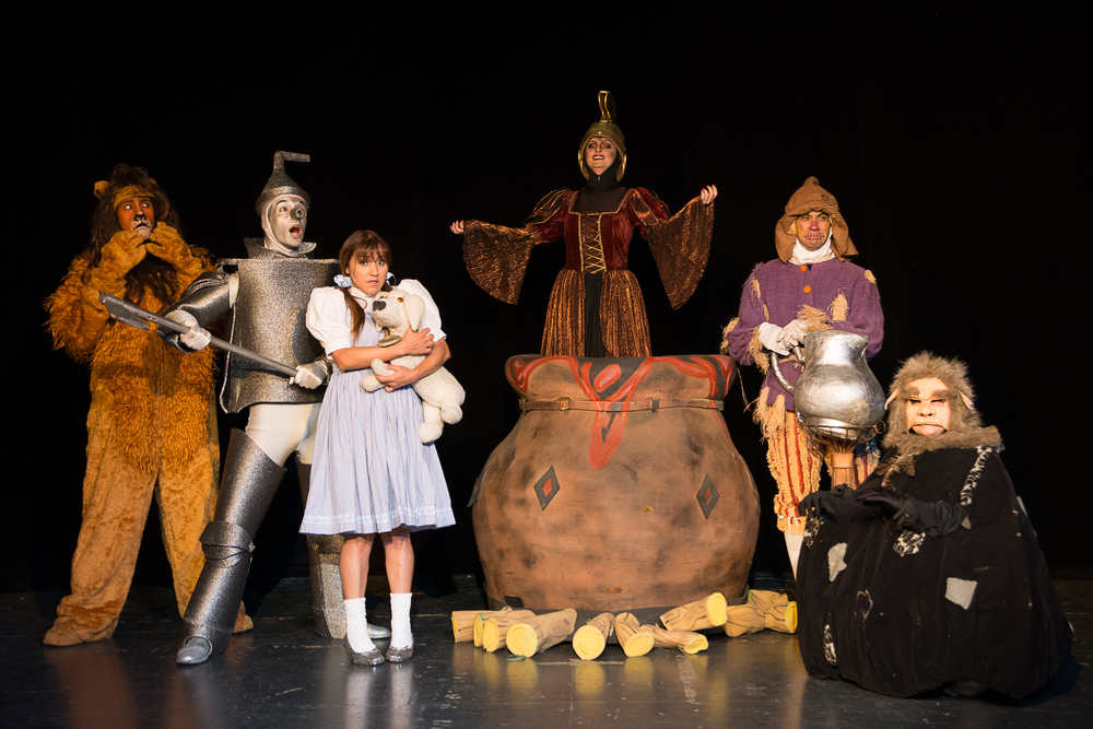 No Reino Mágico de Oz - Feiticeira - Sia Santa.jpg