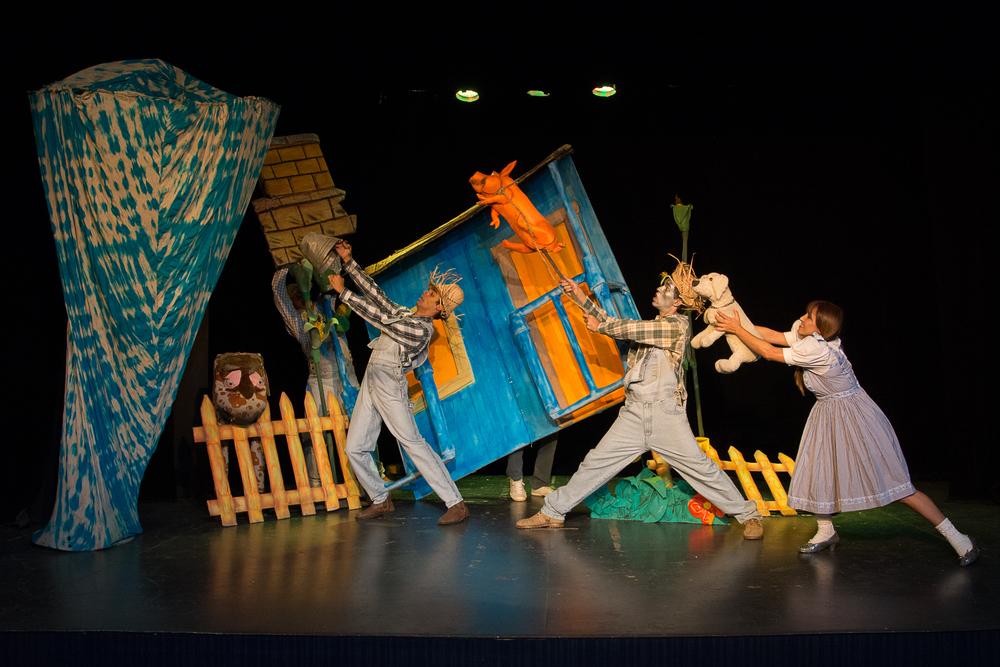 No Reino Mágico de Oz - Furacão - Sia Santa.jpg