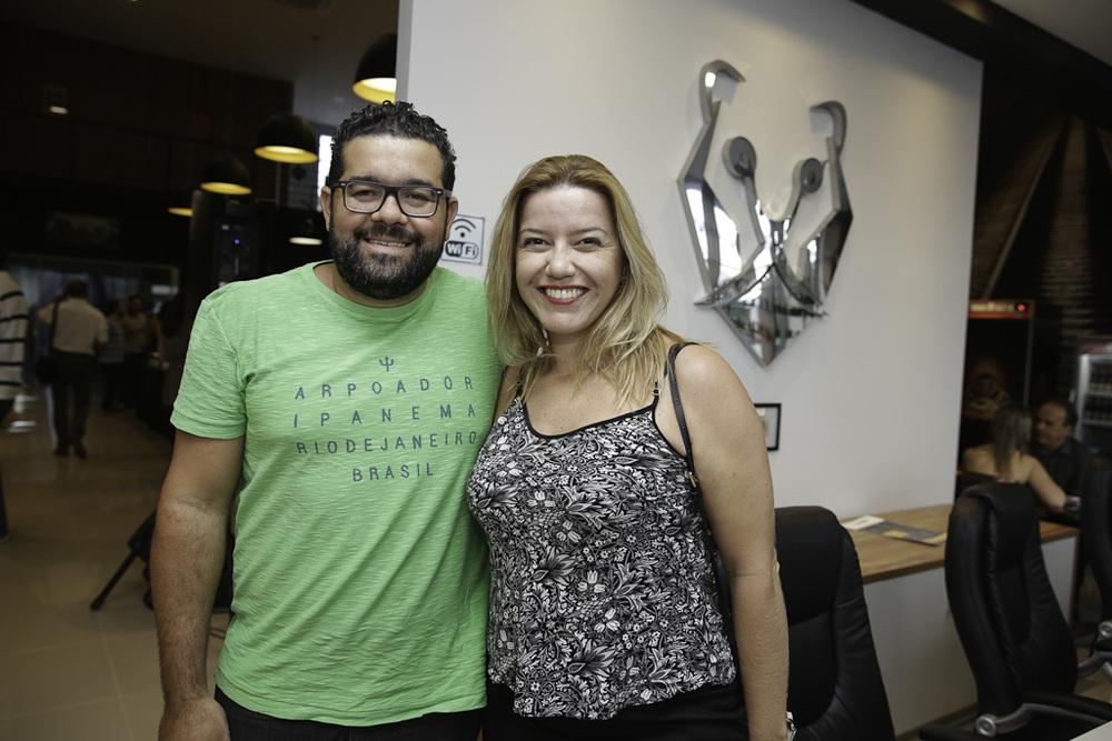 Lelis Caldeira e Patrícia Penteado.jpg