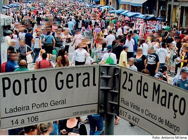 07da2c65b14 Réplicas de bolsas custam até R 4 000 na 25 de Março - Coluna  Entretenimento por Milena Baracat