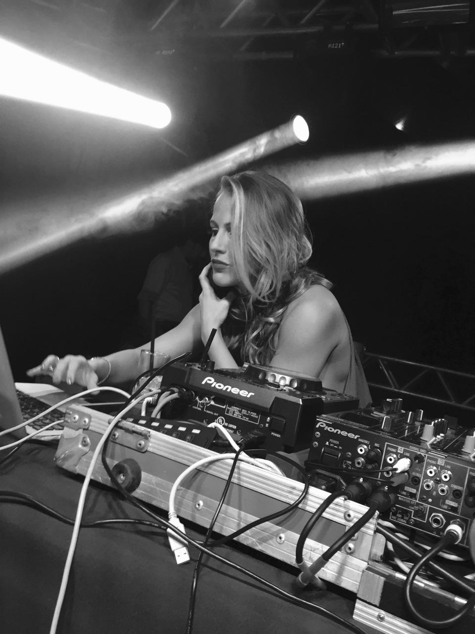 DJ Michelle Schneider.jpg