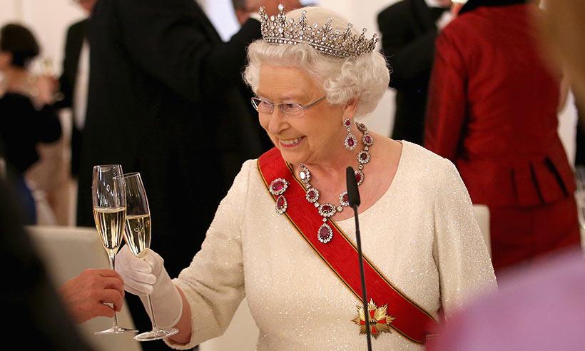 queen-t.jpg