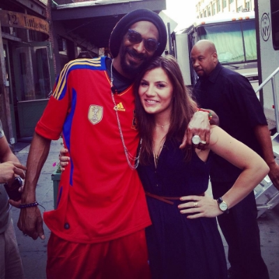 Stephanie on set with Snoop Lion