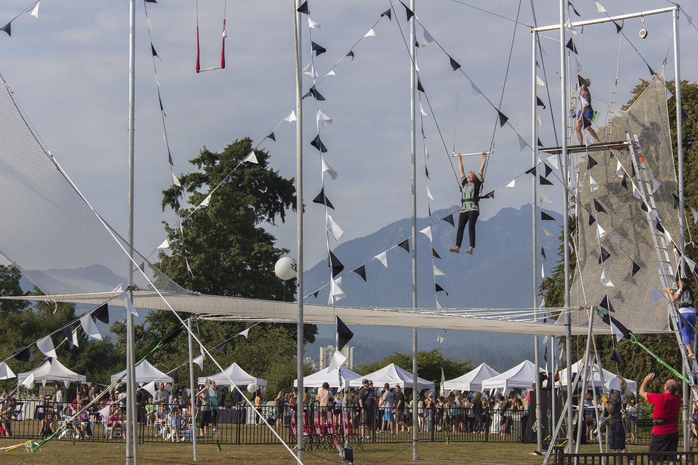 trapeze1.jpg