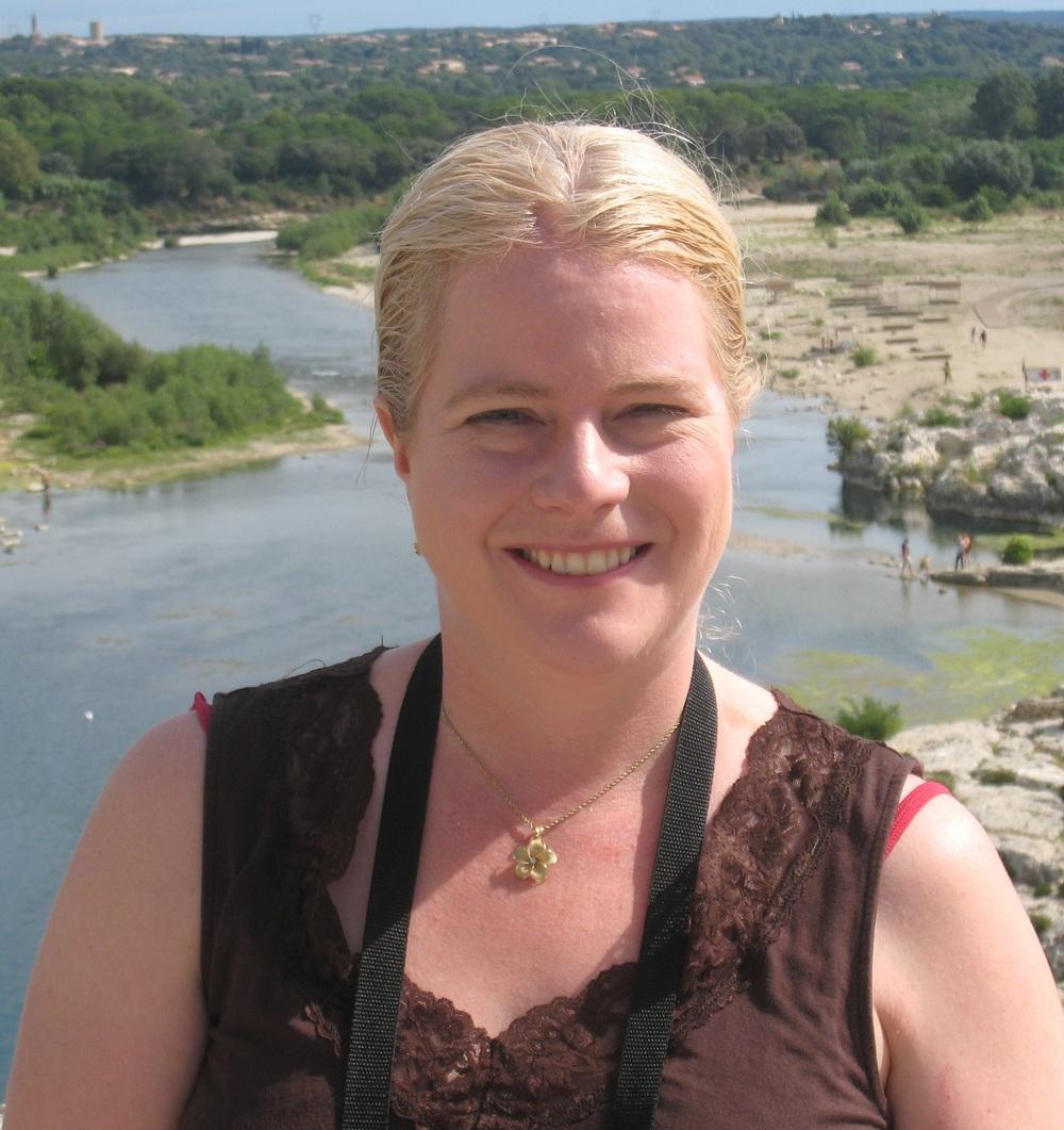 MelissaSnark author photo for book.jpg