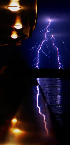 lightning_reflect_600x500.jpg