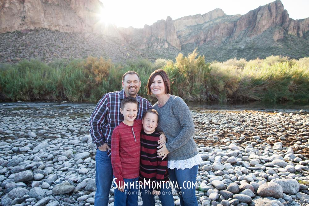 gilbert-family-photographer-salt-river-