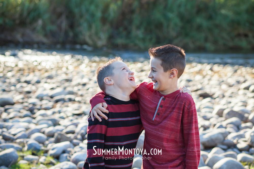 gilbert-family-photographer-salt-river-1
