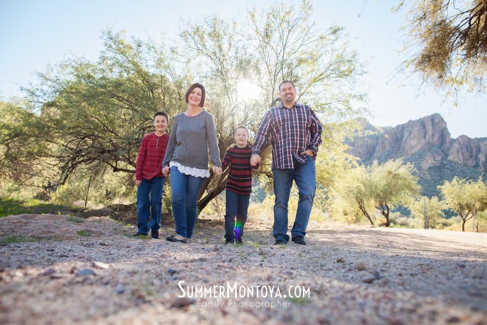 gilbert-family-photographer-salt-river-4