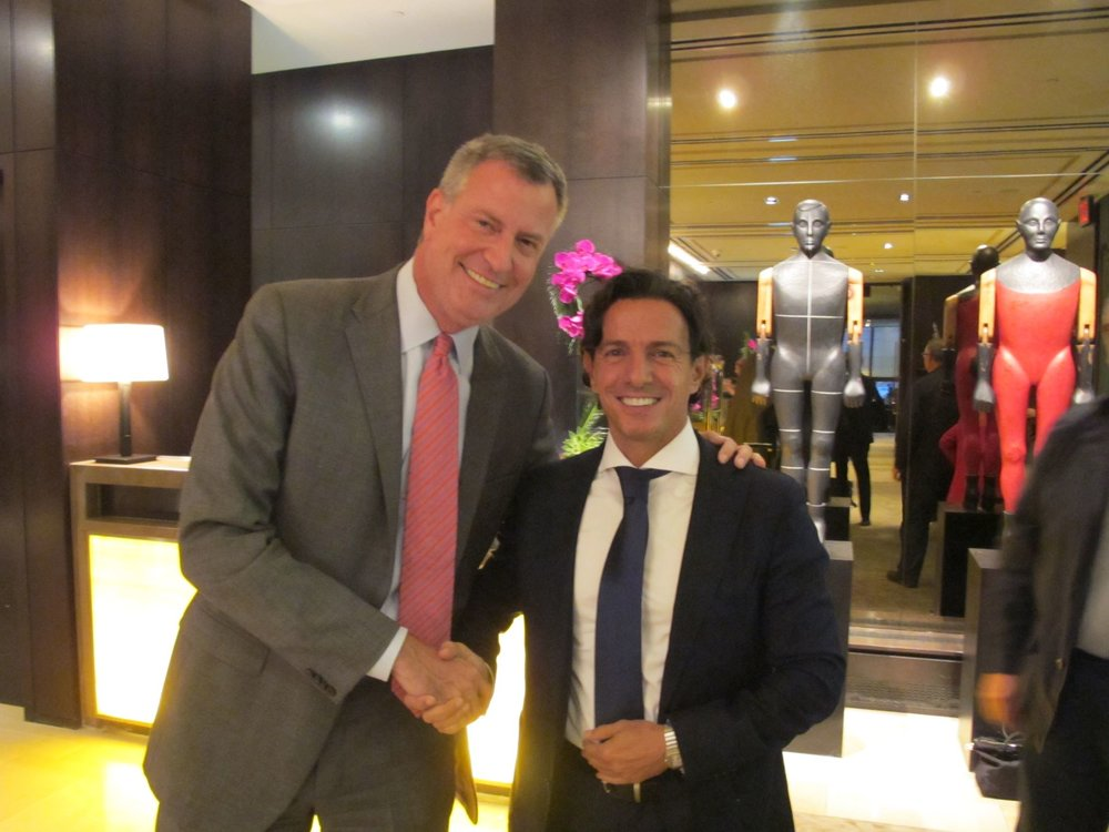 Renato Grussu with New York 's Mayor. H.H. Bill de Blasio.
