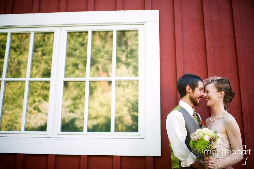 Issaquah barn wedding  017.jpg