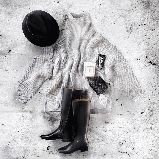 Winter greys. Oversized sweaters and tall boots on repeat for the cooler months ahead ☔️ #flatlaycindy