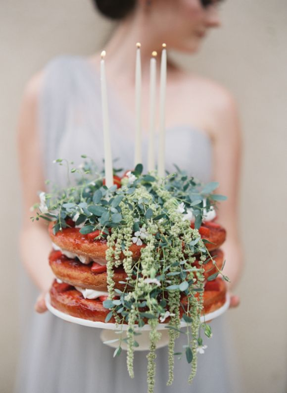 Cake via Wedding Sparrow ,  photographed by Laura Catherine Organic Photographs
