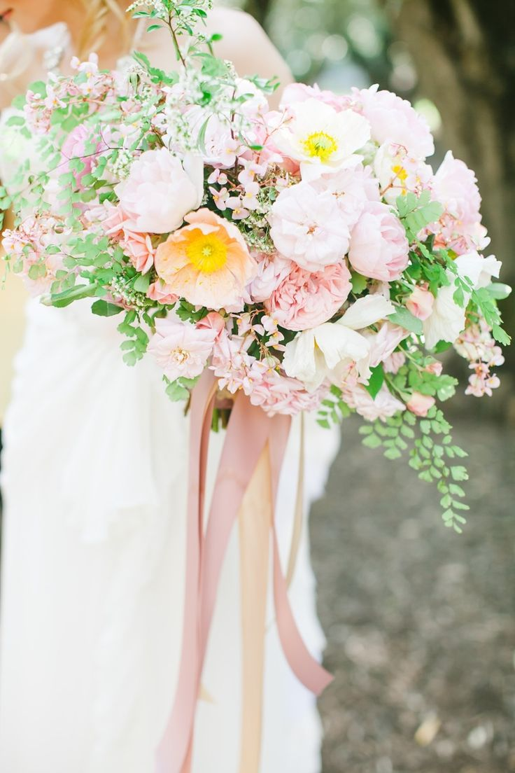 Vo Floral Design bouquet photographed by Avec L'Amour Photography via Style Me Pretty