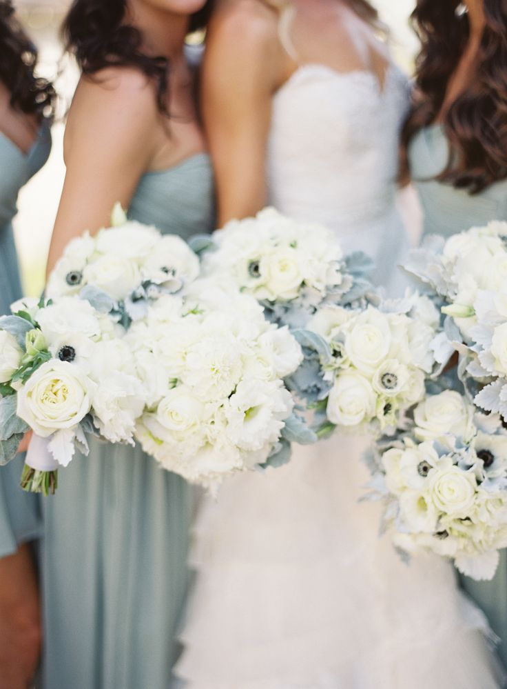 Stephanie Aquilon bouquets by Patrick Moyer via Style Me Pretty