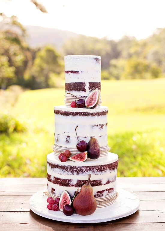 Ideas in Icing  cake from  Jennifer Oliphant  via  Polka Dot Bride