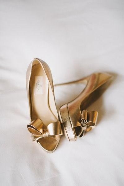 Valentino pumps by Mango Studios