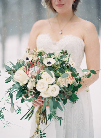 Holly Bryan Floral & Botanical Design