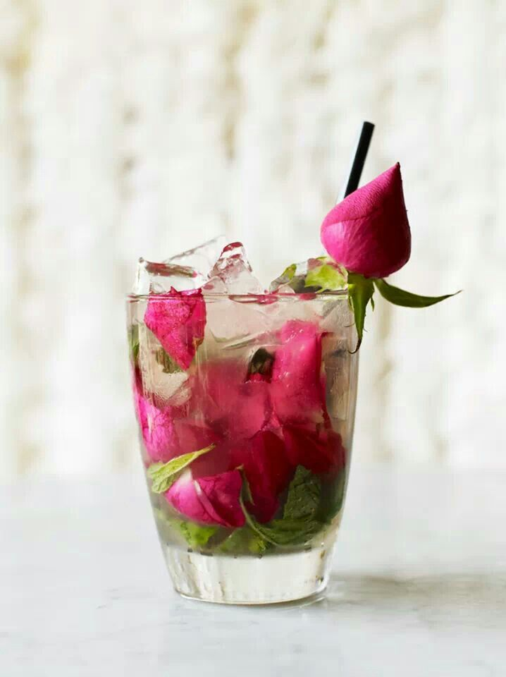 Diamond Rose Gin & Tonic