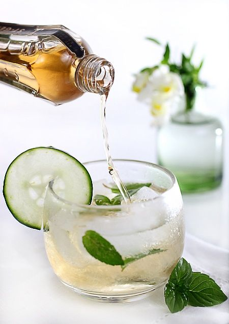 Elderflower Champagne Cocktail