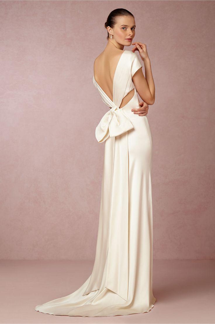 10 modern minimal wedding gowns lindsey brunk event for Modern wedding dress designers