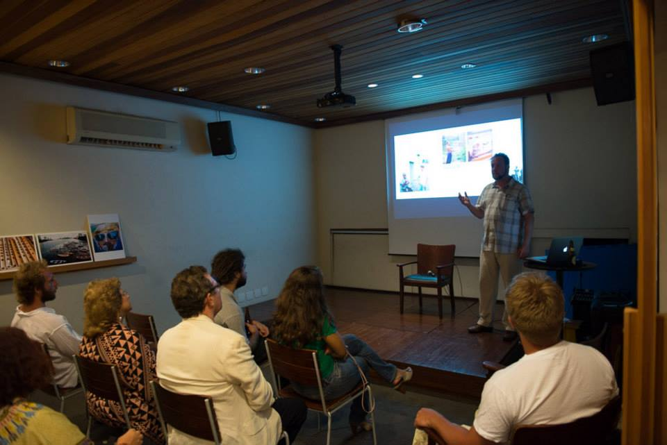 Jason Gardner speaking at A Flower in the Mouth opening (São Paulo)