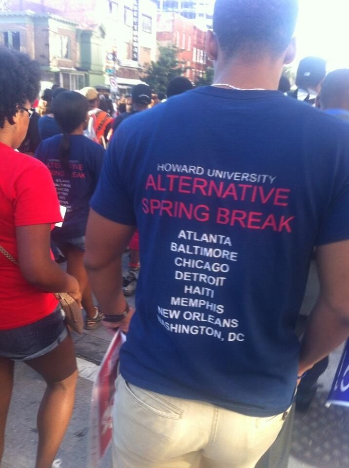 Marching toward the National Mall: A brother rocks the Howard U alternative spring break t-shirt. Classic.