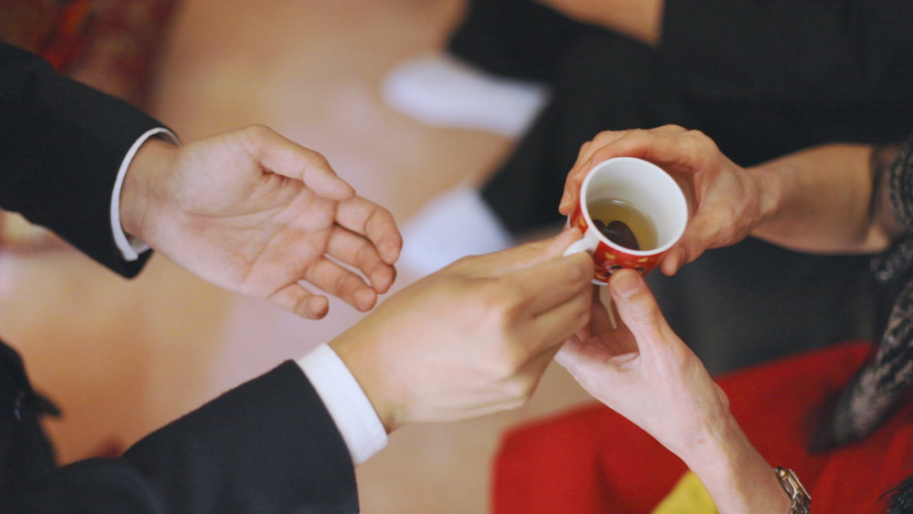 Traditional Chinese tea ceremony at Toronto wedding