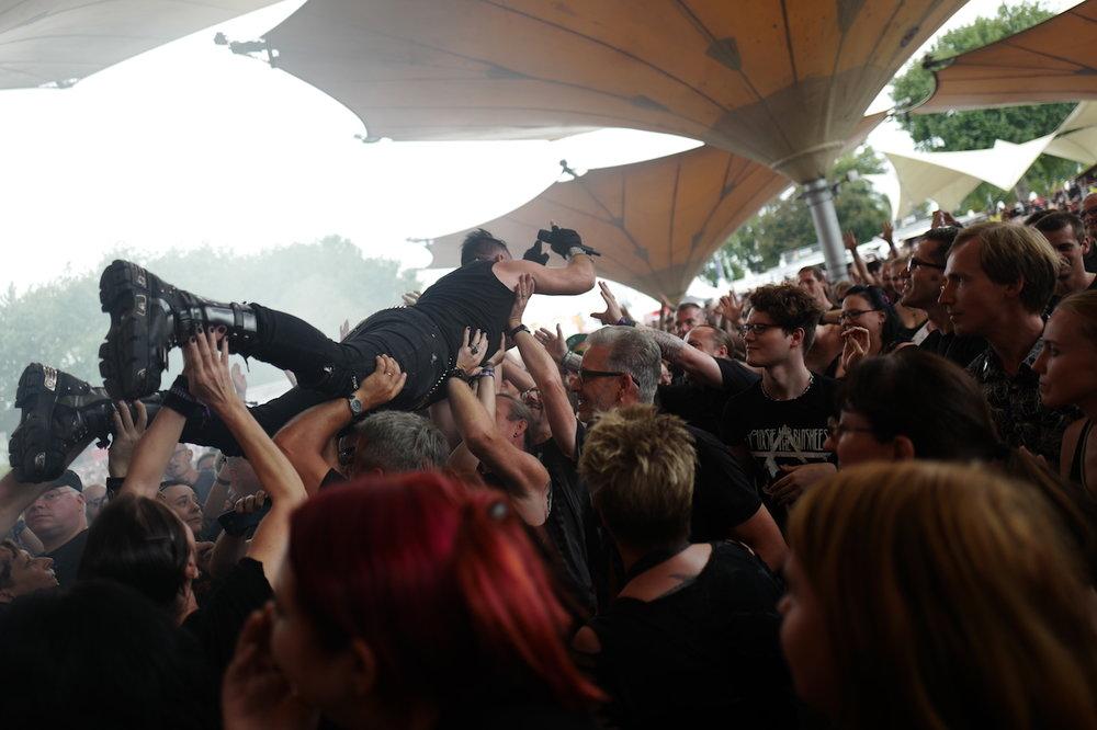 mark_benecke_amphi_festival_koeln_cologne_tanzbrunnen_gothic_OMD_oomph_agonoize_mono_inc_es23_sitd_solar_fake - 124.jpg