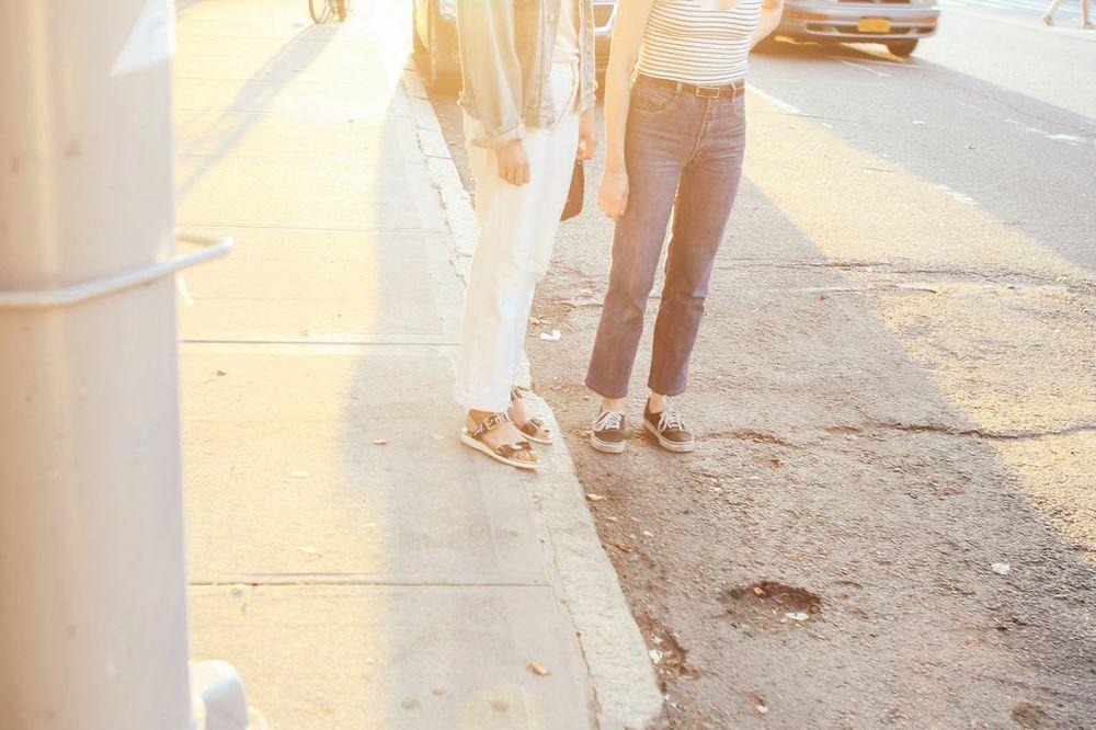 waiting for saturday : alissa wagner & sabrina de sousa vans sneakers