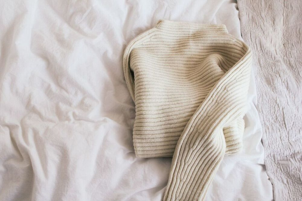 waiting fro saturday : eva alt white ribbed sweater