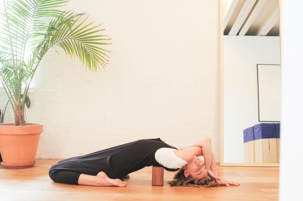 waiting for saturday : chloe kernaghan supported fish pose