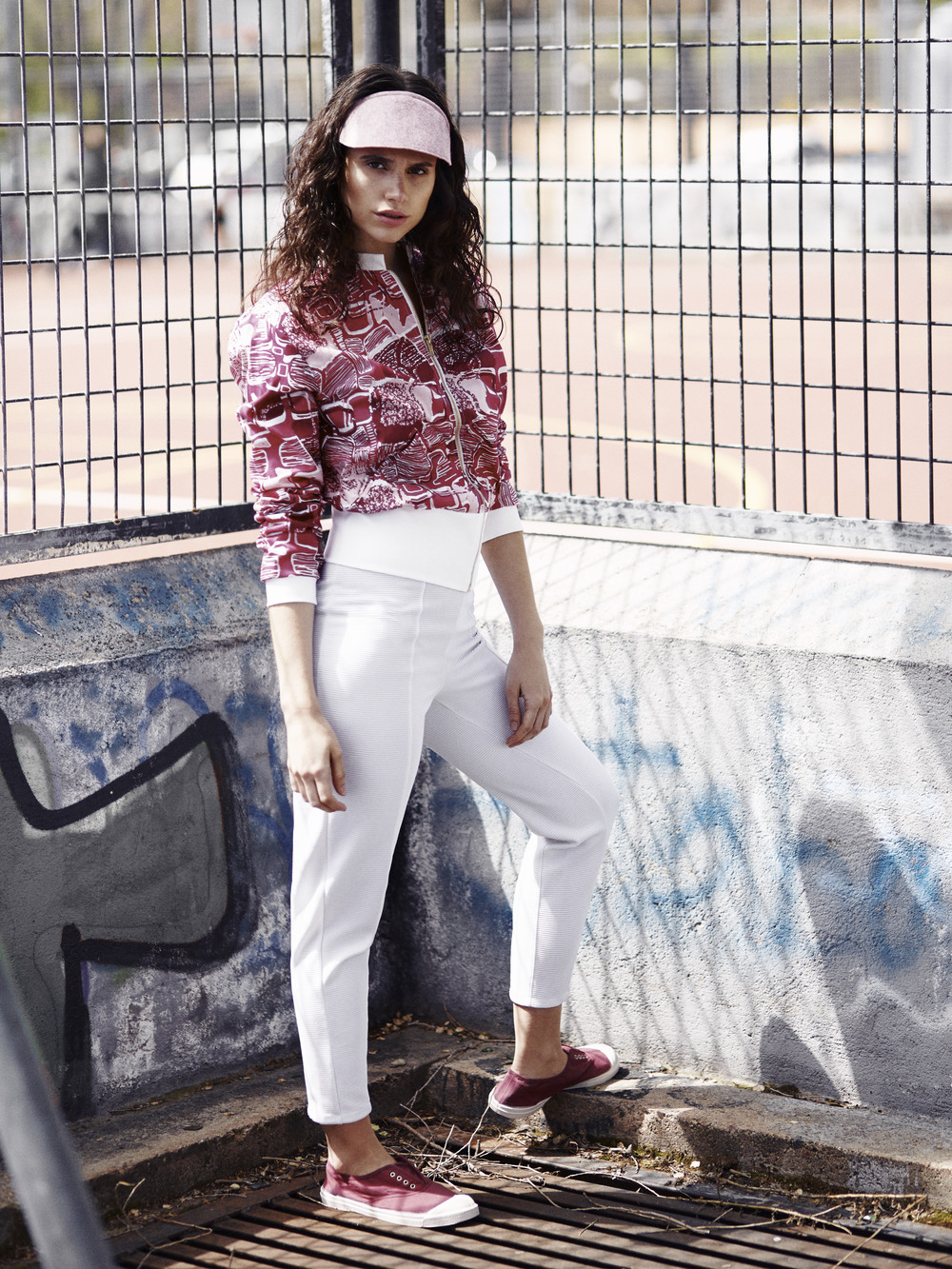 Spanish Fashion: Ladies' Edition - Young Adventuress 22