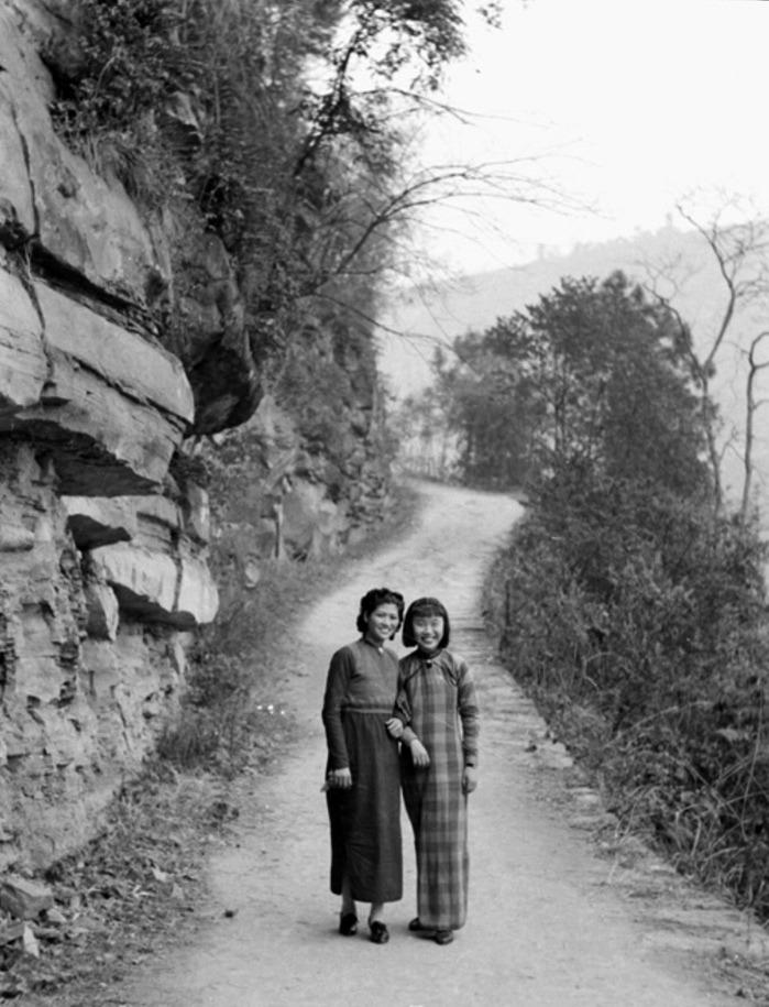 Jiang Fangling and Ma Xiuzhong- 1940_905.jpg