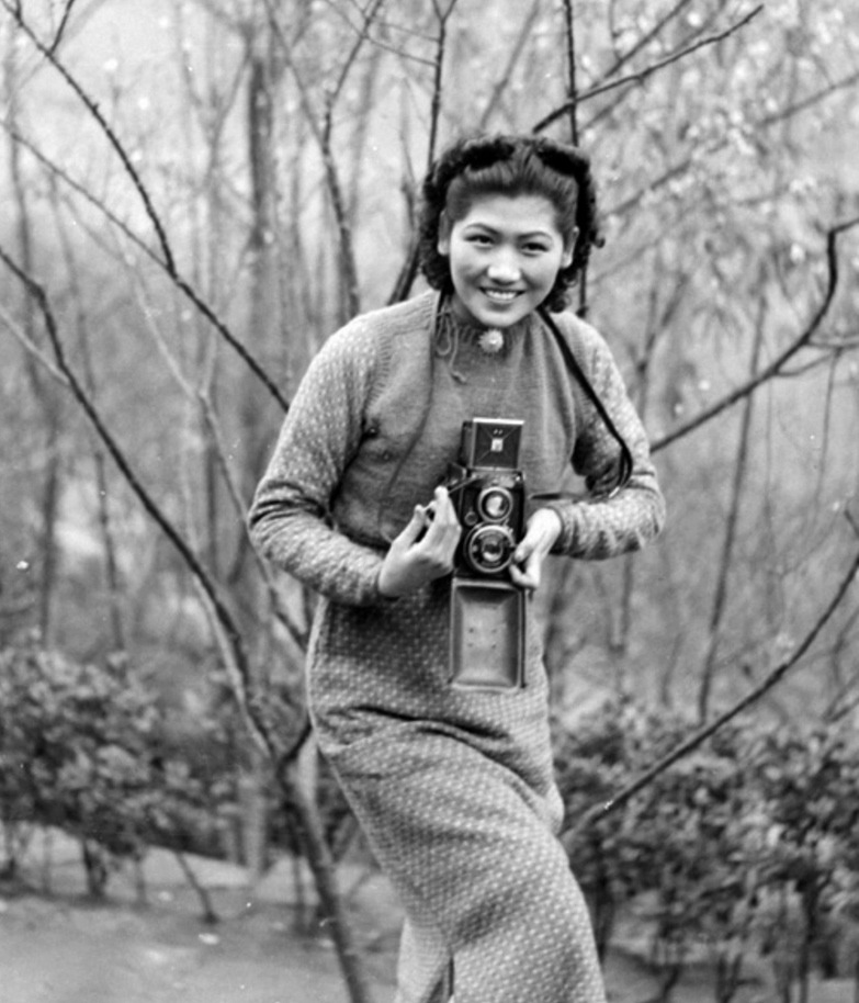 Min Chin with a camera- Northern Hot Springs- 1940_905.jpg