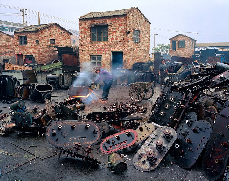 China Recycling #2, Cutter, Fengjiang, Zhejiang Province, 2004
