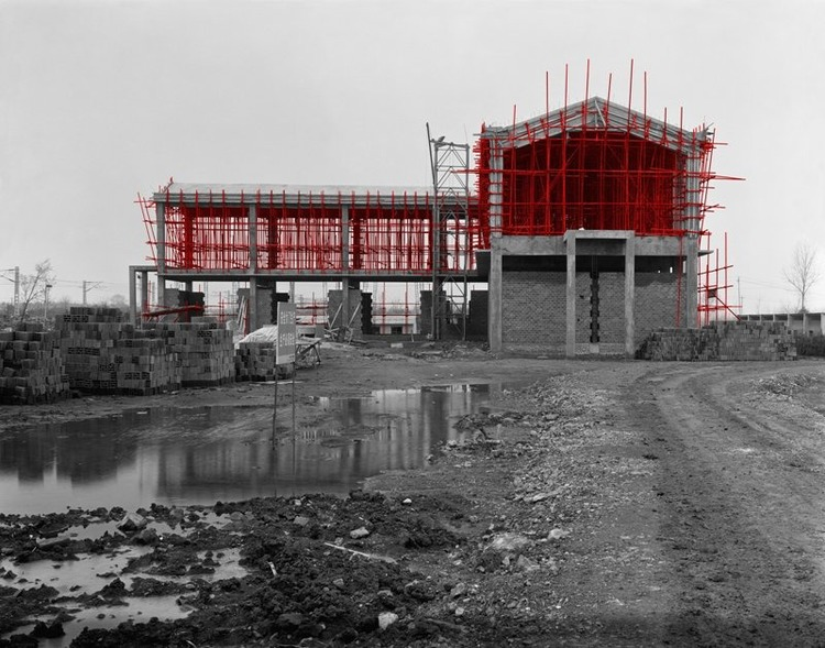 The Red and the Black - 43, Scaffolding Series #5, Nanjing, 2007, Digital C-print