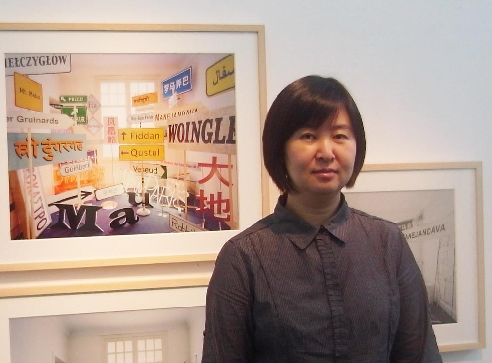 李力在日本艺术家Yuki Onodera的作品前 © Vanguard Gallery