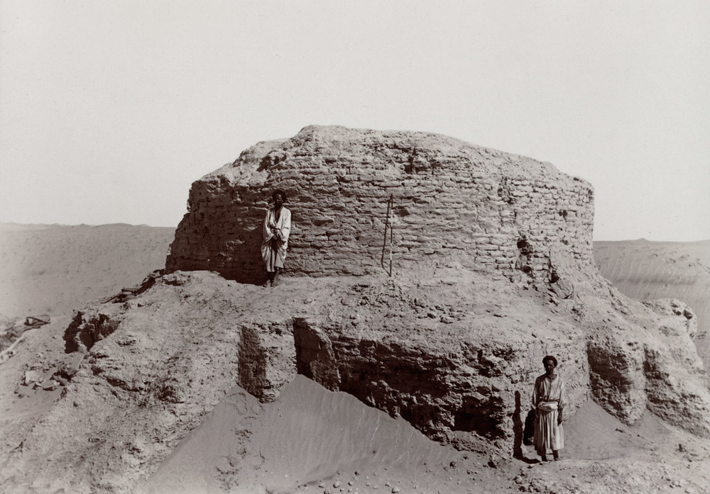 Rawak Stupa from above south-west wall. 17 September 1906. Photo 392/26(154) © British Library